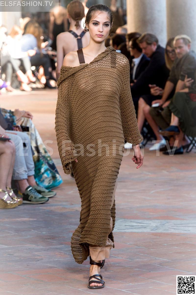 Alberta Ferretti SpringSummer 2019 Collection – Milan Fashion Week