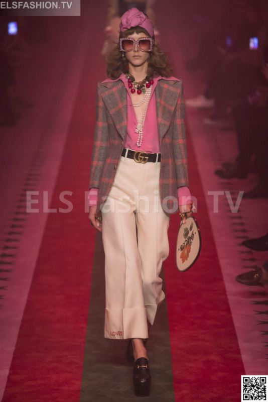 Gucci SS 2017 MFW access to view full gallery. #Gucci #MFW17